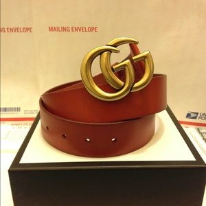 Gucci cuir leather gold double g buckle be…